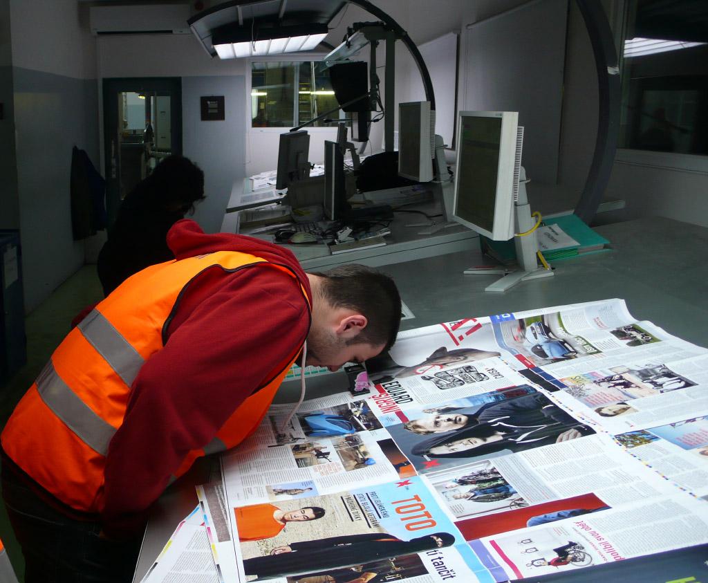 Studenti P1 na motivační exkurzi <br>v tiskárně Europrint v rámci výuky technologie tisku.