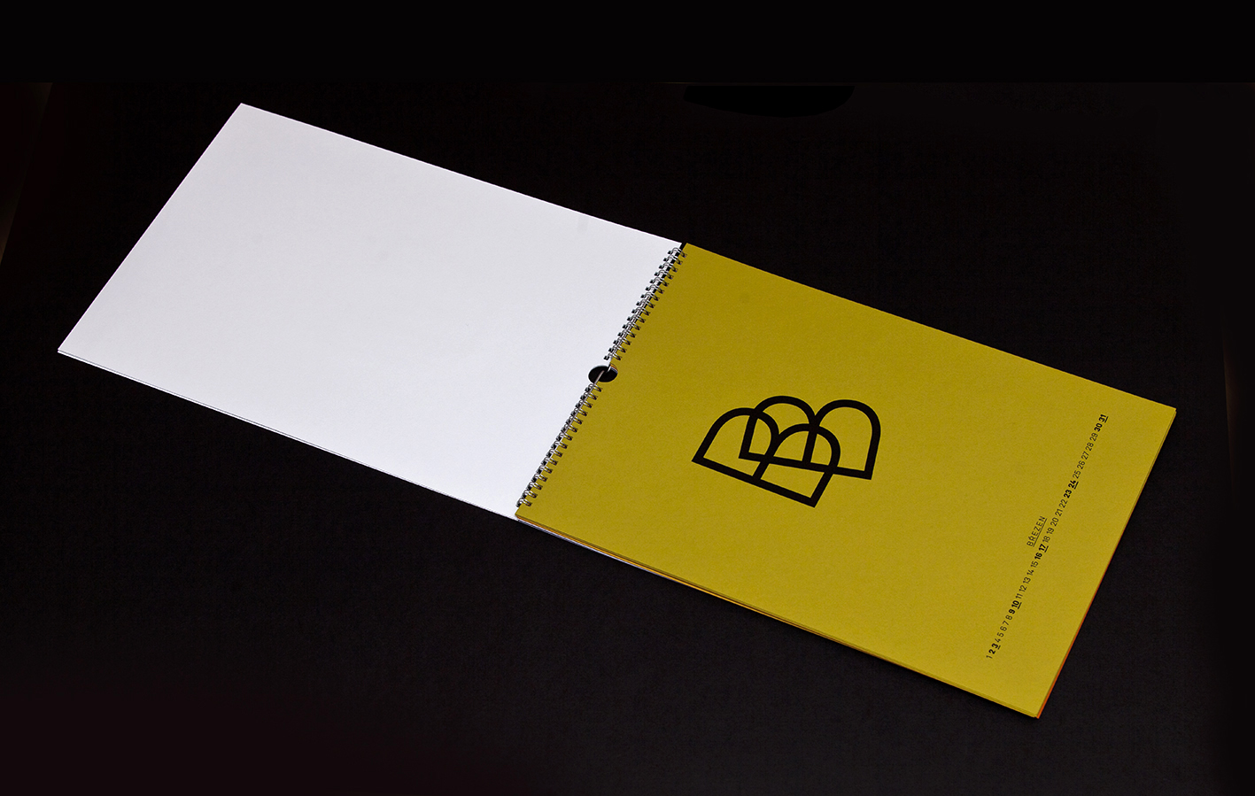 Typografie Šimon Brzobohatý<br>sítotisk Adam Lešikar a Vít Havlíček<br>papír Keaykolour (Antalis)