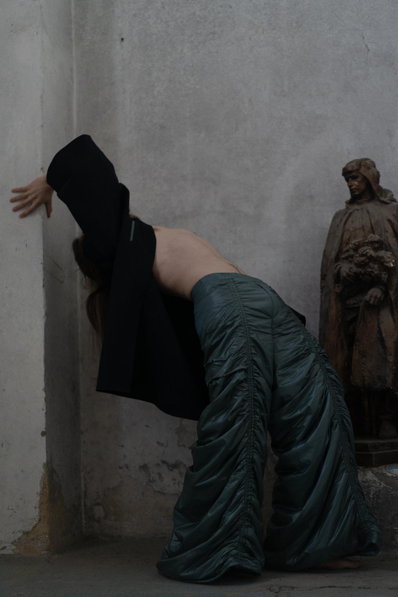 2. ročník ZS 2020/2021<br>fotografie módy<br>spolupráce se SPŠ oděvní<br>(VOŠON a SPŠO)<br>MgA. Eva Brzáková<br>klauzurní práce