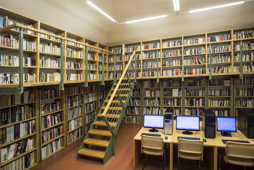 knihovna_01b